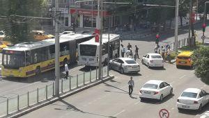 Atatürk Bulvarında Gün Yok Ki Kaza Olmasın
