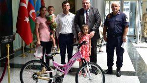 Dikkatli Çocuklar Bisikletle Ödüllendirildi
