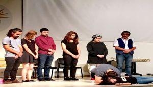 Siverek Lisesinde bağımlılık tiyatrosu oynatıldı