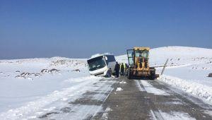 Siverek'te Kapanan Kırsal Yollar Büyükşehir Ekiplerince Açıldı