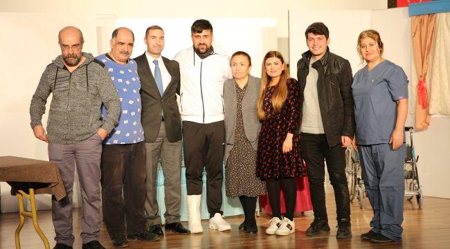"""Karaköprü'de """"Engelime Engel Olma"""" Tiyatrosu Sahnelendi"""