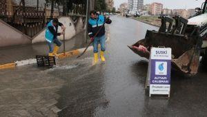 Şuski'de Sağanak Yağış Mesaisi