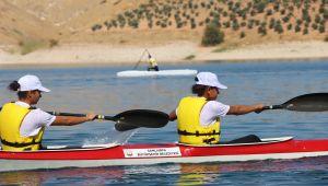 Avrupa Spor Haftası Bozova'da Kano İle BaşladıBaşkan Beyazgül: Geleceğin Şampiyonlarını Yetiştirme Yolunda İlerliyoruz