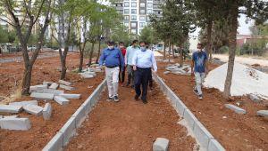 Başkan Canpolat, Karşıyaka'daki Yeni Park Alanlarını Denetledi