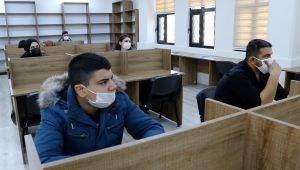 Karaköprü'de Öğrencilere Matematik Desteği Veriliyor