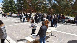 Harran ÜniversitesiTarafından Yabancı Öğrencilere Yönelik Sınav Gerçekleştirildi