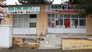 Karaköprü'de İhtiyaç Sahipleri Bu Mağazada Giyiniyor