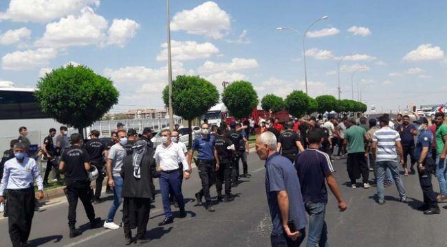 Hilvan'da Çiftçiler Elektrik Kesintilerini Protesto Etti