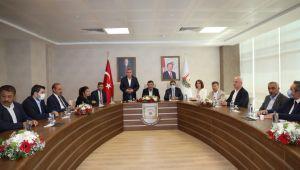 TBMM Plan Ve Bütçe Komisyonu Başkanı Cevdet Yılmaz'dan Başkan Beyazgül'e Ziyaret